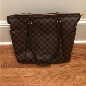 Louis Vuitton Totally MM NM Damier (Authentic)